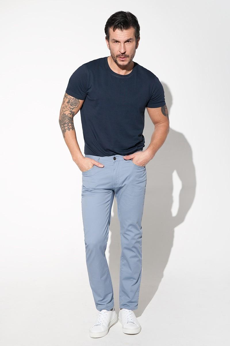 błękitne spodnie męskie bawełniane