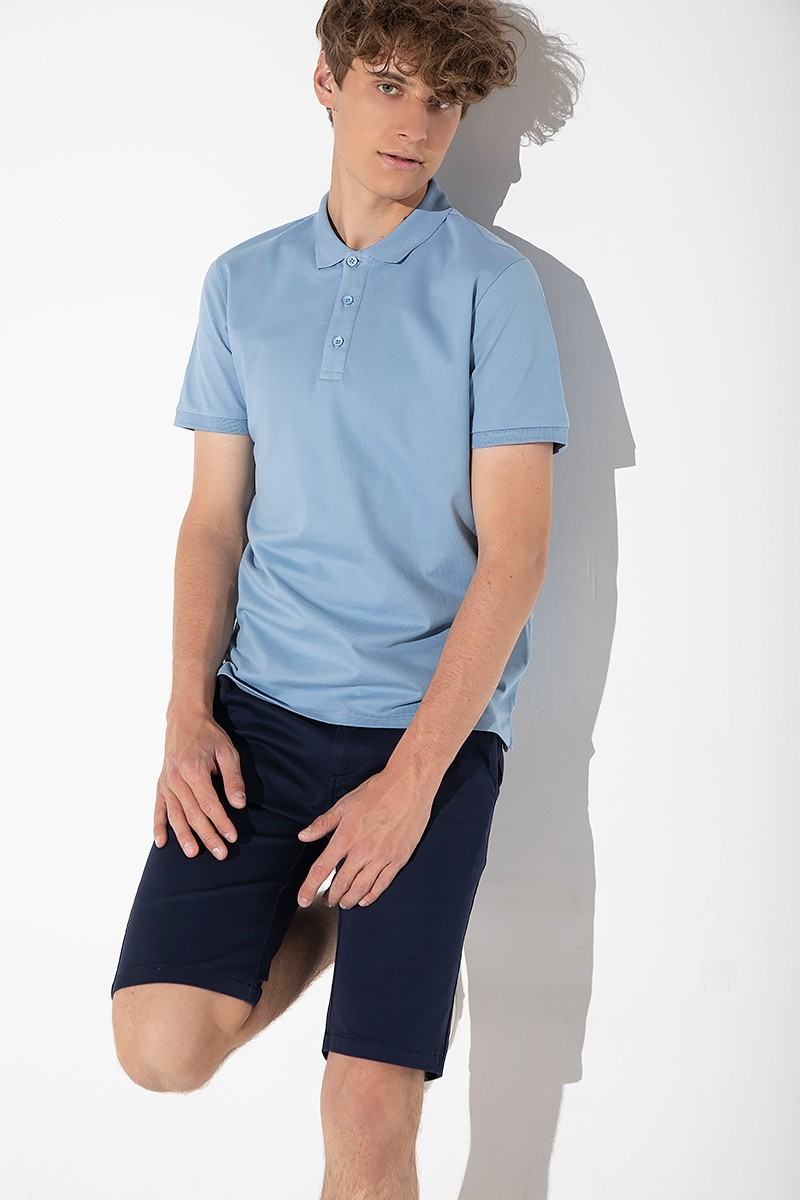 BLUE MEN'S POLO MADE OF COTTON FABRIC.