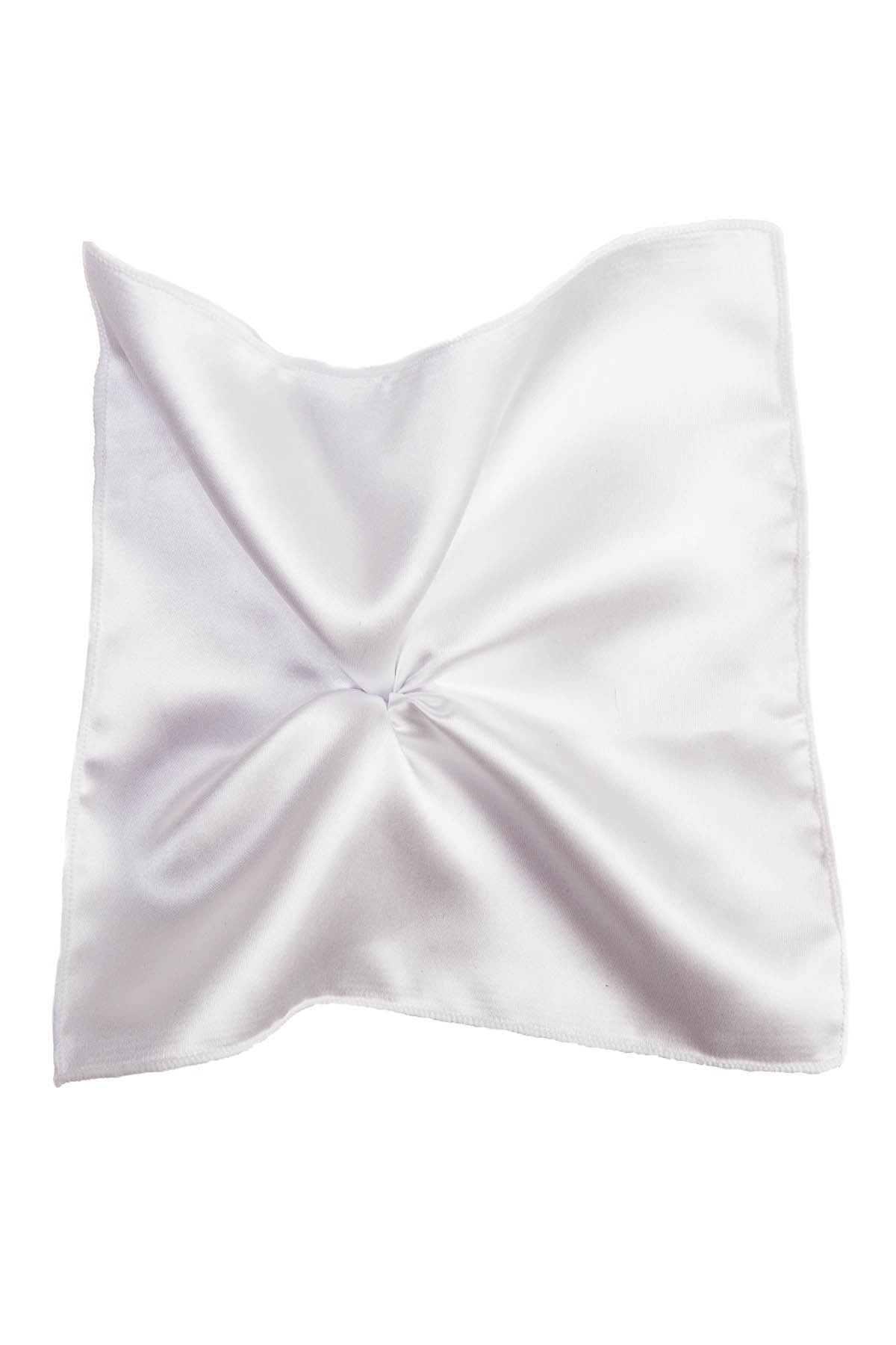 biała poszetka do garnituru na ślub