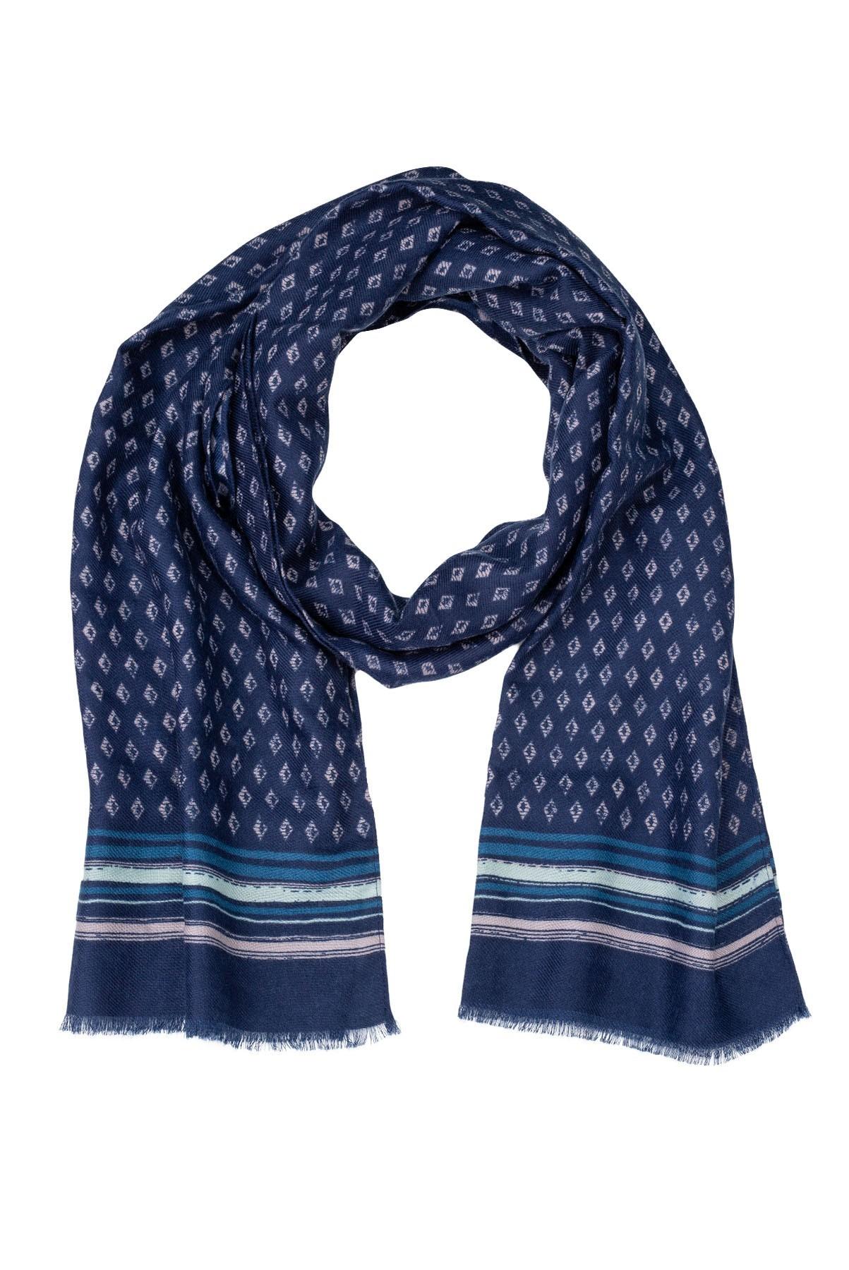 Men's scarf.