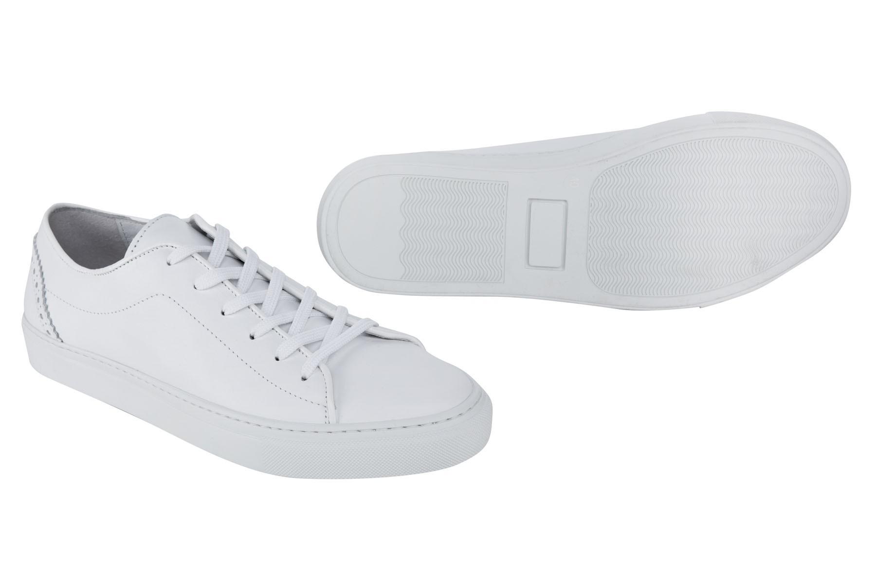 Sportowe buty męskie typu sneakers w kolorze białym ze skóry naturalnej
